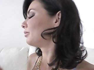 Curvy Milf Veronica Avluv gets her shaved wet pussy filled w milf hd videos hd porn